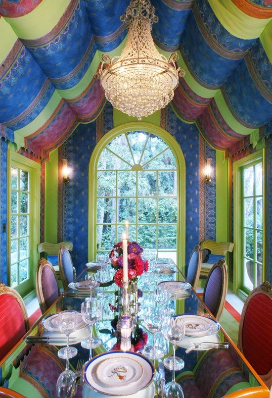 Bold palette for an opulent dining room #interiordesign - More wonders at www.francescocatalano.it