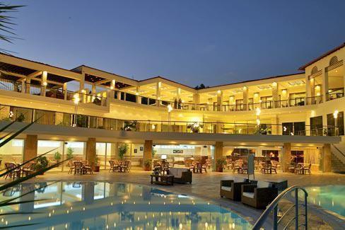 25% отстъпка за ранни записвания за лято 2014 в Гърция - хотел Alexandros Palace, Атон, Халкидики. Резервирайте изгодно Вашата почивка в хотел Alexandros Palace, Урануполи! Настаняване на база закуска и вечеря.