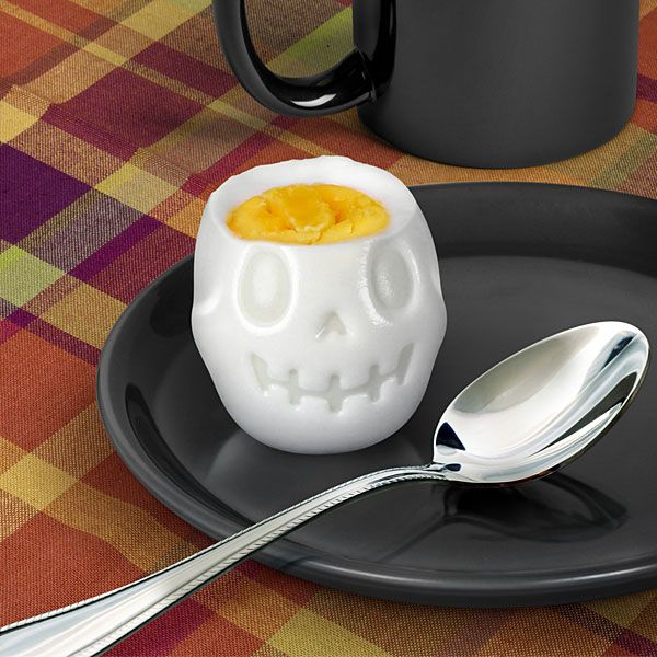 The Egg-o-matic Skull Egg Mold turns a boiled egg into a fearsome grinning skull. It's perfect for those of us who like to be reminded of our own mortality at breakfast. The Egg-o-matic Skull Egg M...