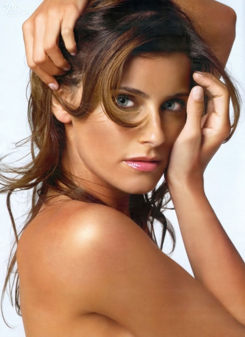 Nelly Furtado, singer