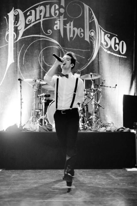 panic at the disco vices and virtues tour - photo #22