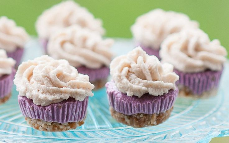 <p>These adorable mini cheesecake cupcakes have got that creamy, authentic flavor down pat.</p>