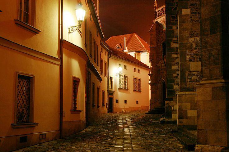 Brno - Kostel sv. Petra a Pavla, Petrov vč. děkanství, konzistoří a kanovnických rezidencí