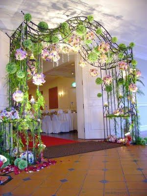 simple ways to decorate wedding arch | The Wedding: Creative Wedding Decorations - Using Bridal Arches