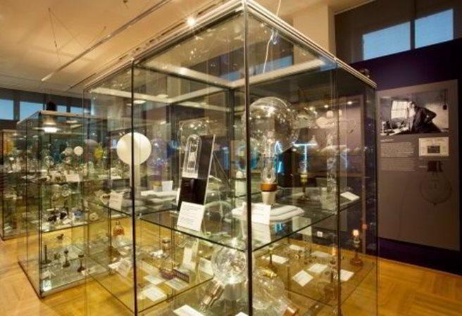 Kudy z nudy - Národní technické muzeum Praha - Od plamene k LEDu. Vývoj elektrického světla.