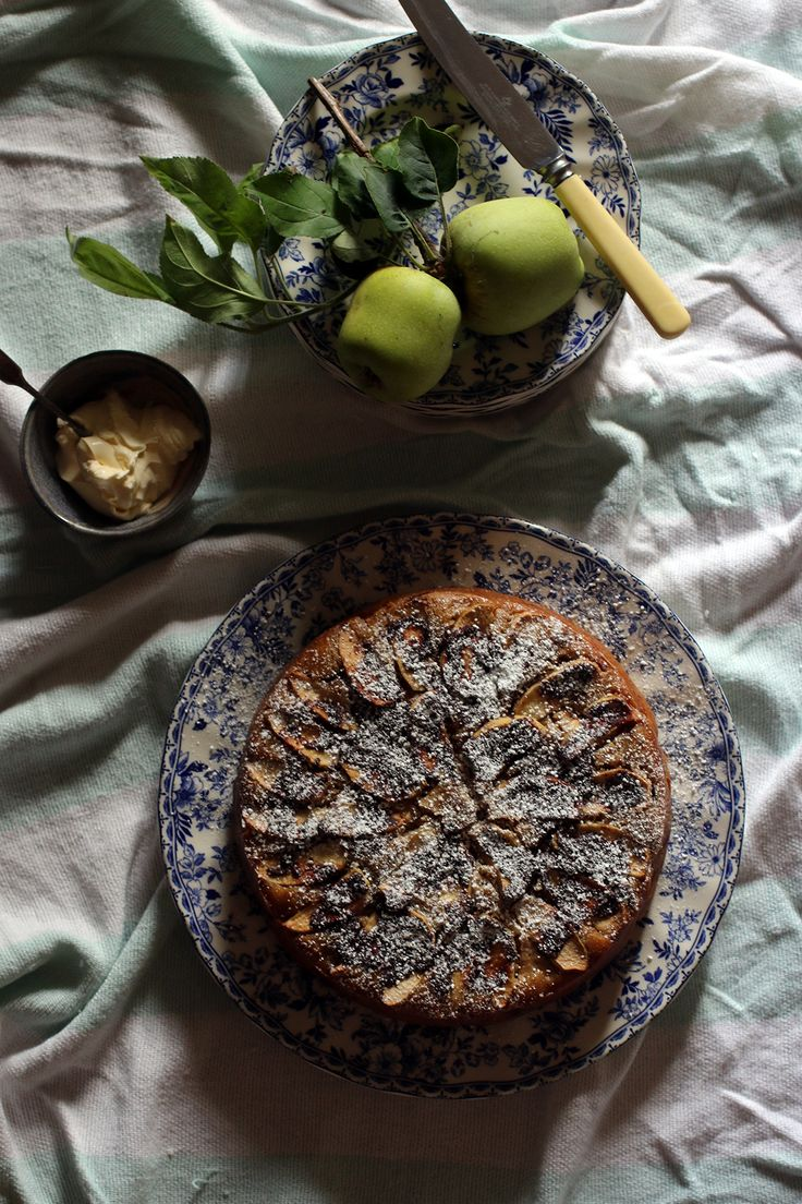 Spiced Apple and Buttermilk Cake