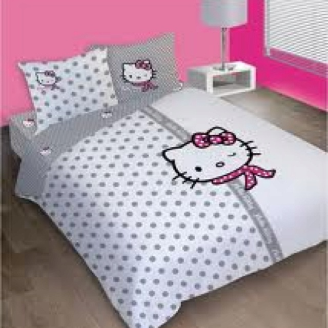 Best 25 hello kitty bedroom set ideas on pinterest for Housse couette hello kitty