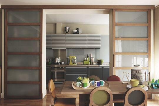 Le choix d'une cuisine avec ouverture sur le salon - Concevoir une cuisine où je me sens bien - CôtéMaison.fr