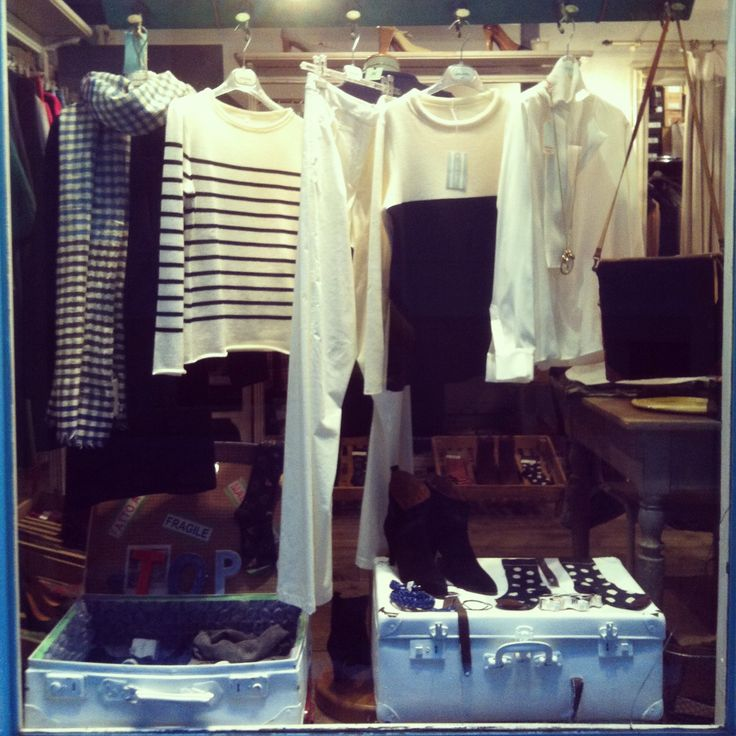 #newwindow #chic #blackandwhite #stripes #checks #polkadots #carlasaibene #atelier #viasanmaurilio20 #milano20123
