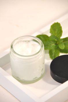 Machen Sie sich aus Kokosöl und Pfefferminzöl oder Wachs und Pfefferminz …   – selbstgemachte Kosmetk
