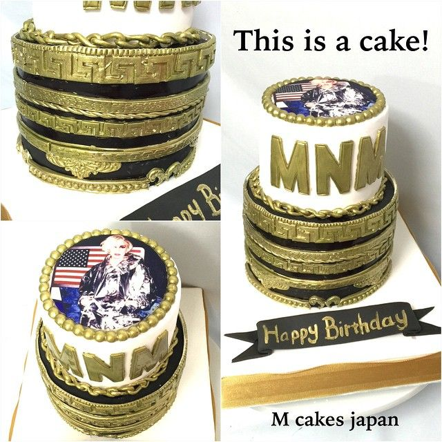 mcakesjapanベルサーチ模様な2段ケーキ #versace #versacecake #ladygaga #ladygagacake #fondantcake #handmade #模様 #ケーキ #誕生日 #20歳 #おめでとう #2段 #レディガガ #ガガ様 #ベルサーチ
