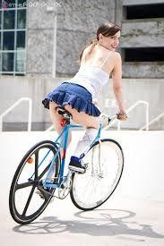 Image result for bicicletas y mujeres hermosas
