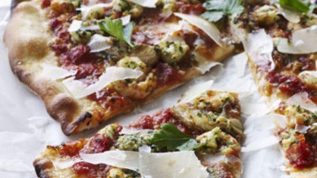 Pizza med rejer og hvidløg | Femina