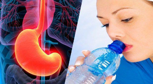 Μυστικά υγείας: Αποκάλυψη: Τι παθαίνει το σώμα όταν πίνεις νερό με...
