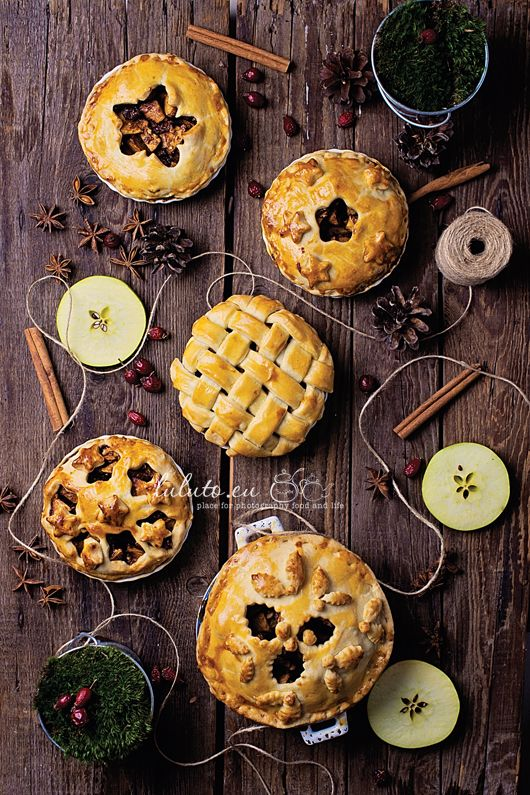 You could make these from salt dough or applesauce cinnamon dough to smell good for Christmas.