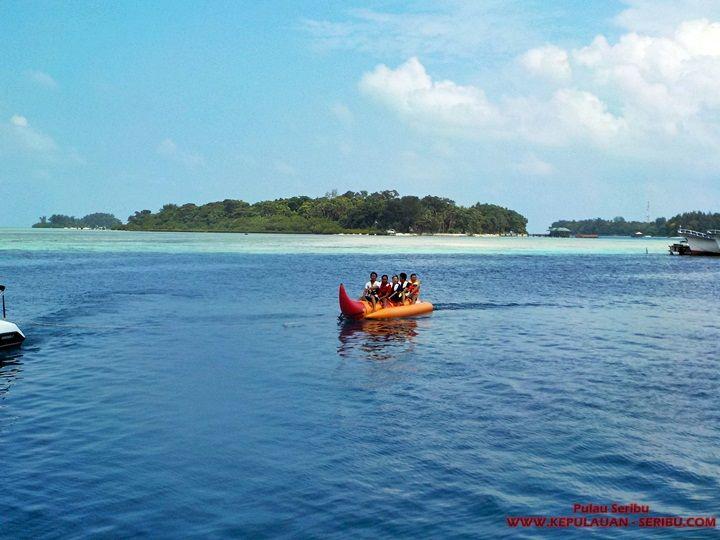 Banana Boat Pulau Seribu Island