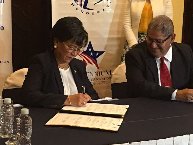 Honduras, Nación y Mundo: Para garantizar transparencia y eficiencia Gobiern...