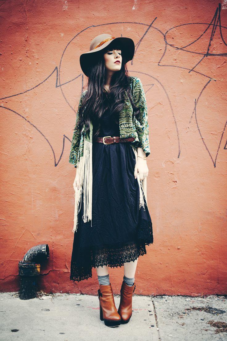 Boho Street Style: Black Maxi Fall Look #johnnywas
