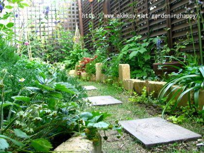 日陰 半日陰 ガーデニング~日陰・半日陰で育つ植物と庭 ヒューケラなど人気の日陰植物のシェードガーデン|ガーデニングでハッピー♪Gardening