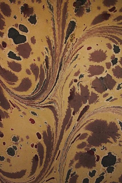 Marmoreret bogbind - brunt og gult