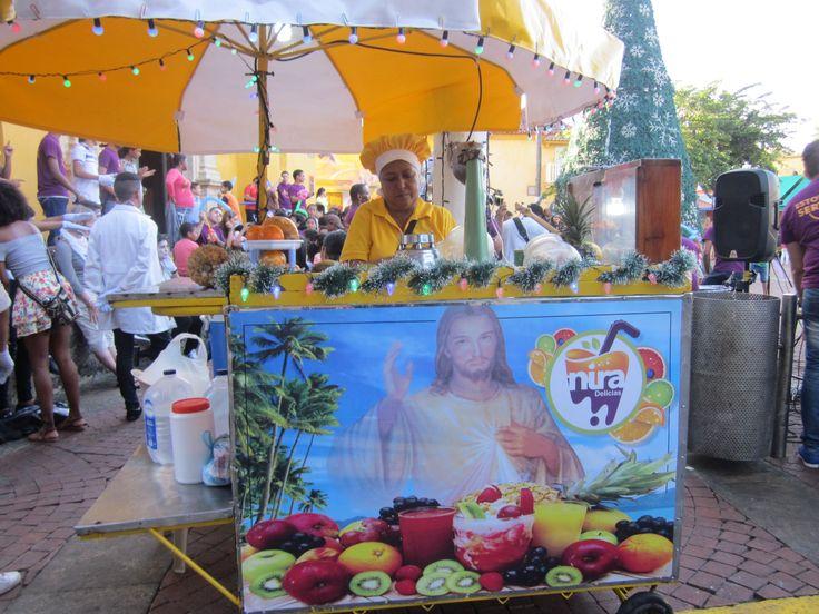 """""""Jesus Juice"""" , Cartagena de India, 2° riScatto urbano di Giulia Cutolini. Saranno conteggiati i """"mi piace"""" al seguente post: https://www.facebook.com/photo.php?fbid=10214834557367155&set=p.10214834557367155&type=3&theater"""