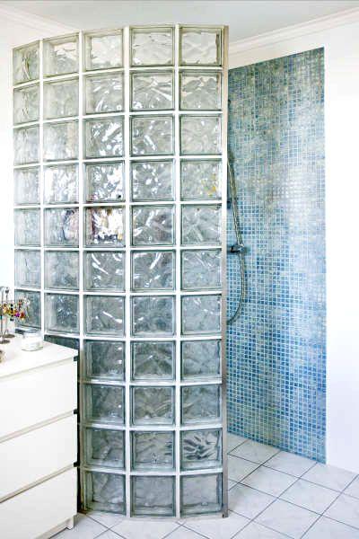 douche à l'italienne, carreaux de verre, mosaïque