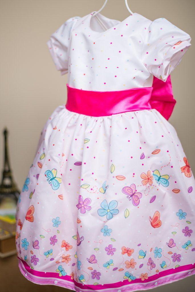 27632cfd2 Lindos Vestidos Tal Mãe Tal Filha Jardim das Borboletas. Tecido: Microfibra  acetinada com laço