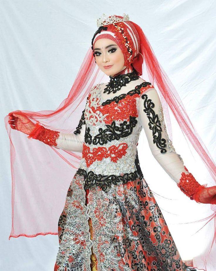"187 Suka, 1 Komentar - ASRI HIJAB (@asri_hijab_wedding_organizer) di Instagram: ""ASRI HIJAB _RIAS PENGANTIN KHUSUS HIJAB,  SPESIALIS MAKE UP NO CUKUR ALIS DGN PERIAS2 WANITA TULEN…"""