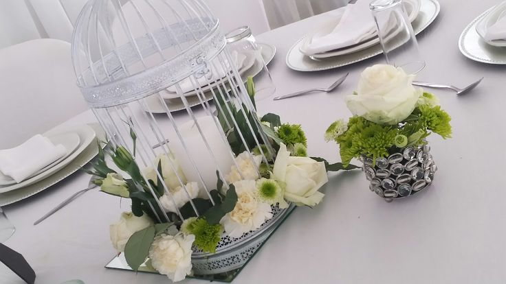 All white with a hint of mint green. The perfect setting to welcome my nephew into this world. I wanted something enchanted an elegant at the same time.