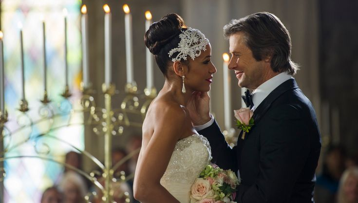 Devious Maids Season 2 Finale Preview: Spence and Rosie Tie the Knot