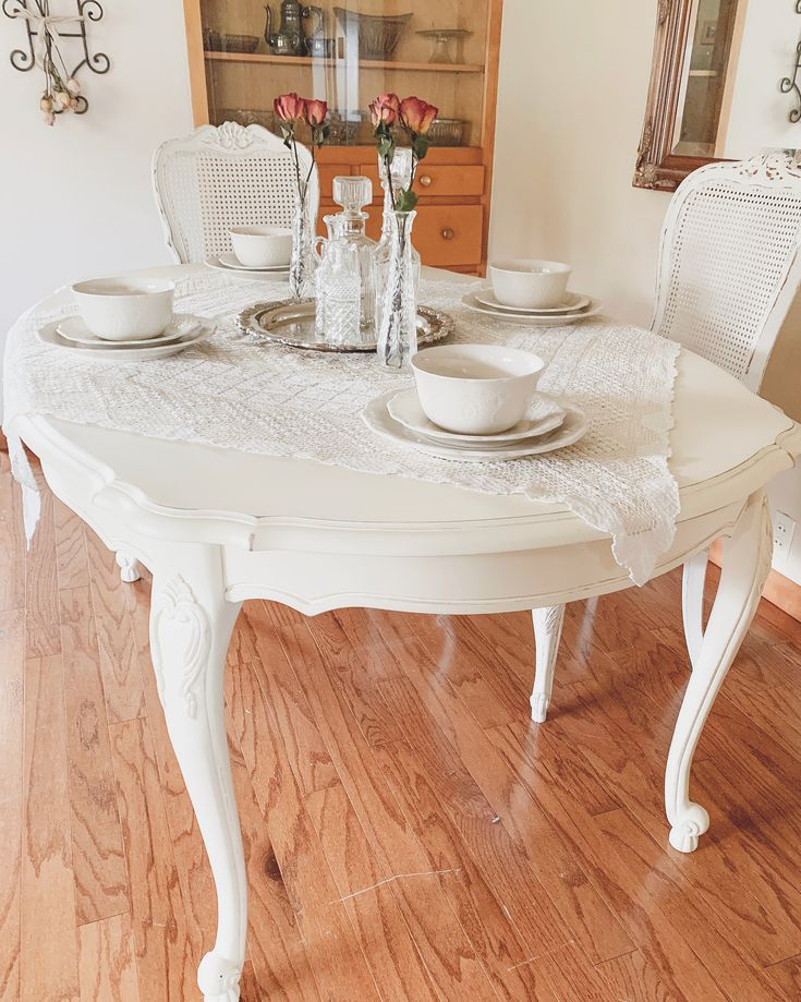 Antique White Dining Room Furniture: French Dining Table - Antique White En 2019
