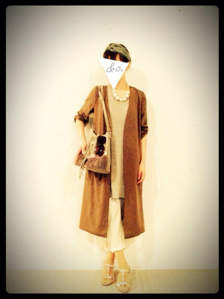 cno(CNOCNO0@insta)さんのノーカラージャケット「Andemiu キナガシロングアウター 209390」を使ったコーディネート