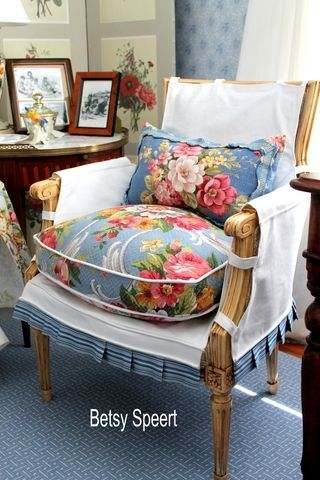 DYI ... I like the simple slip cover for the chair.  Note the arms... covered, but the wood is exposed.Cottages Style, Chairs Slipcovers, Style Chairs, Sitting Room, French Cottages, Floral Cushions, French Country Pillows, Cottages Sitting, French Style Decor