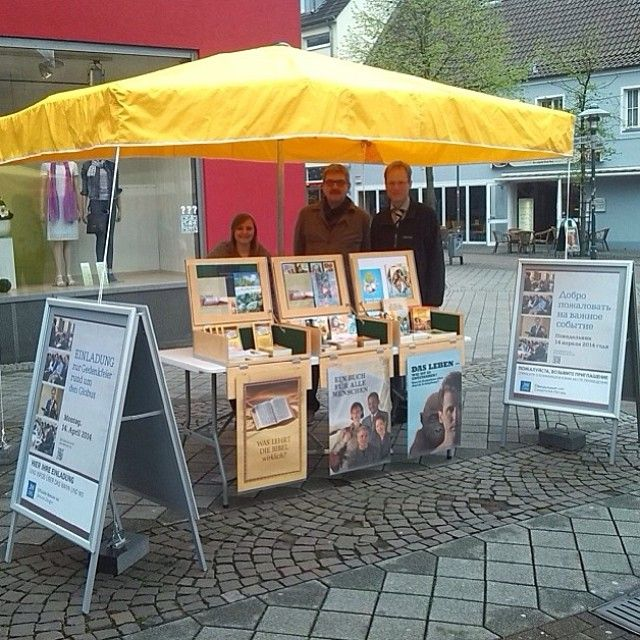 .@jw_witnesses | Public witnessing in Germany. Photo shared by @ulfbruder | Webstagram