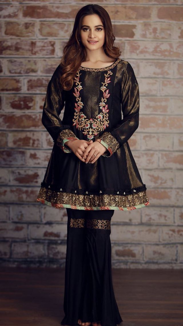Pin By Simran Gill On Awesome Things In 2019 Pakistani Dress