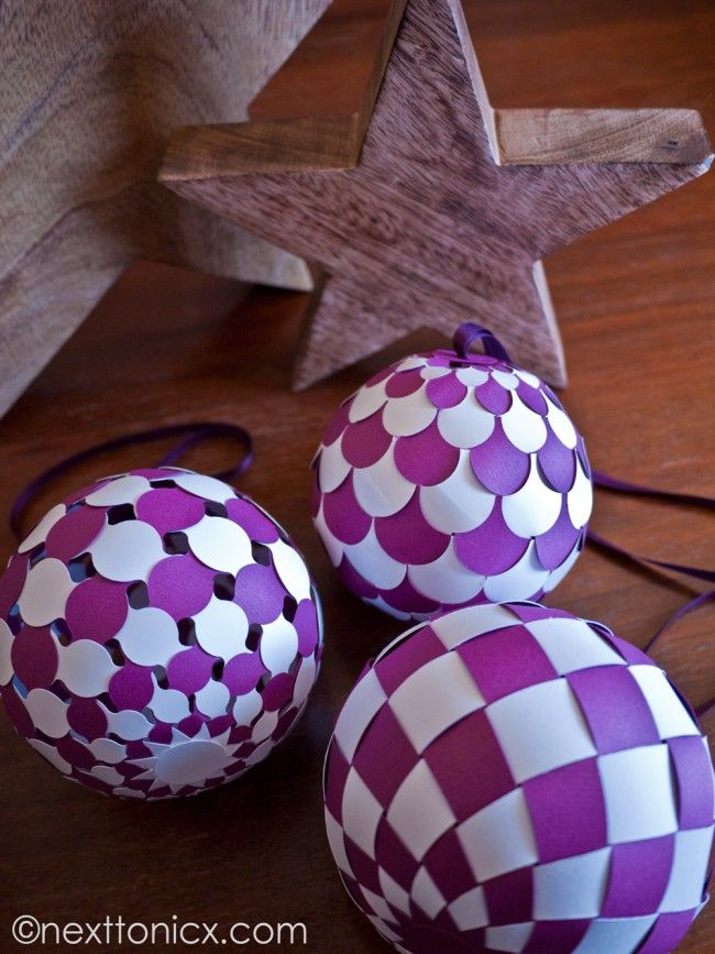 DIY woven paper baubles tutorial with pattern downloads from Next To Nicx - these are AMAZING!!!  Definitely will make these for next year!