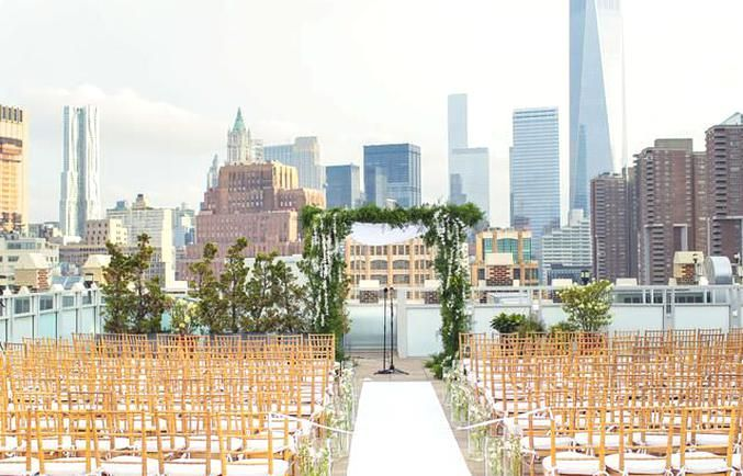 Wedding Ceremony On The Tribeca Rooftop In New York City In 2020 New York Wedding Venues Nyc Wedding Venues City Wedding Venues