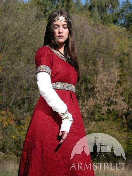 Hey, j'ai trouvé ce super article sur Etsy, chez https://www.etsy.com/fr/listing/97453069/medieval-francs-rouge-robe-et-costume