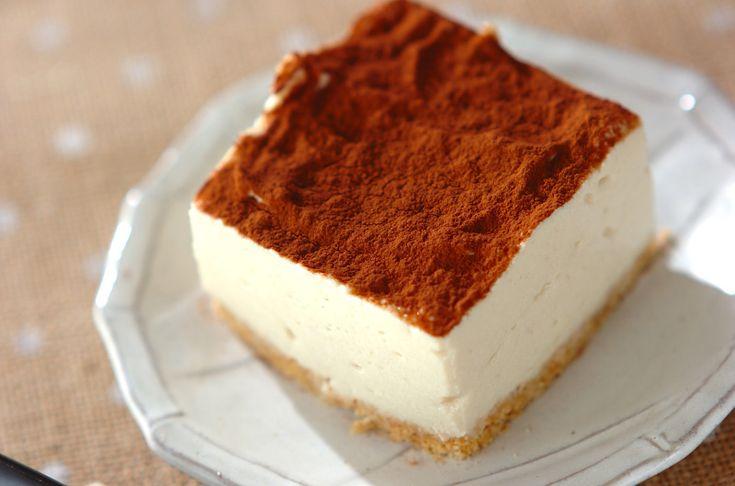 豆腐を使ったティラミス風スイーツ。甘い物を控えている人でもこれならたっぷり食べられます!ヘルシー豆腐バナナケーキ/杉本 亜希子のレシピ。[洋菓子/その他洋菓子]2011.06.20公開のレシピです。