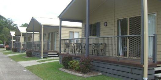 Deluxe Villa accommodation near Noosa Heads, Queensland » BIG4 Noosa Bougainvillia Holiday Park. #big4noosa #noosa #sunshinecoast