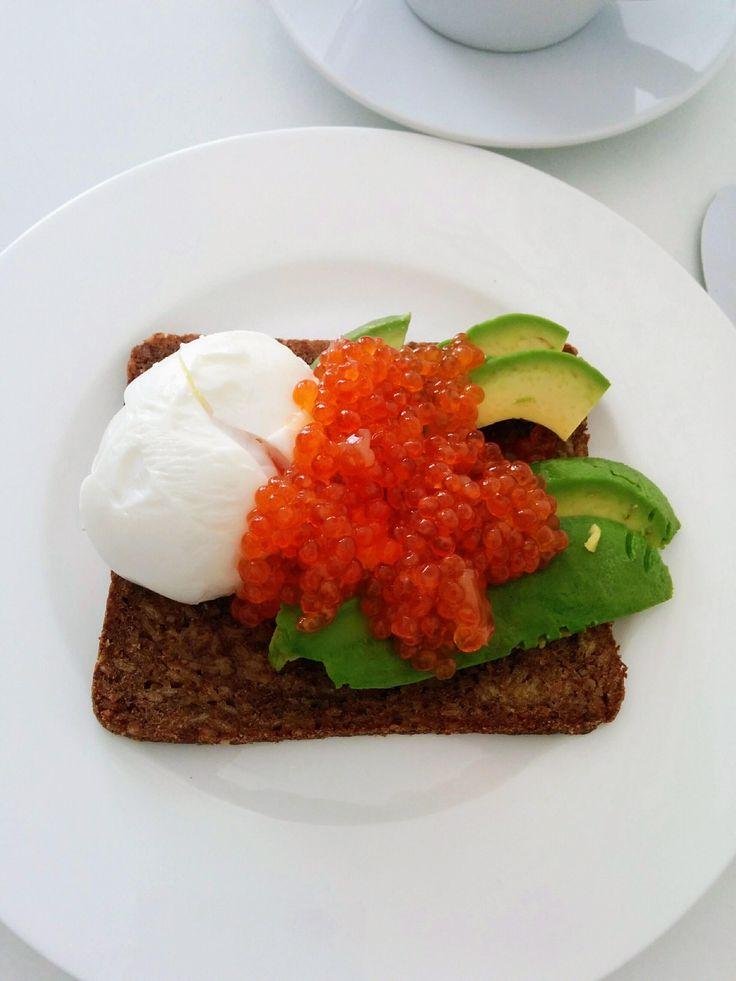 [homemade] breakfast: rye bread with avocado soft boiled egg and salmon caviar