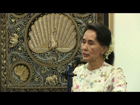 Myanmar's Suu Kyi walks tightrope over 'Rohingya' question