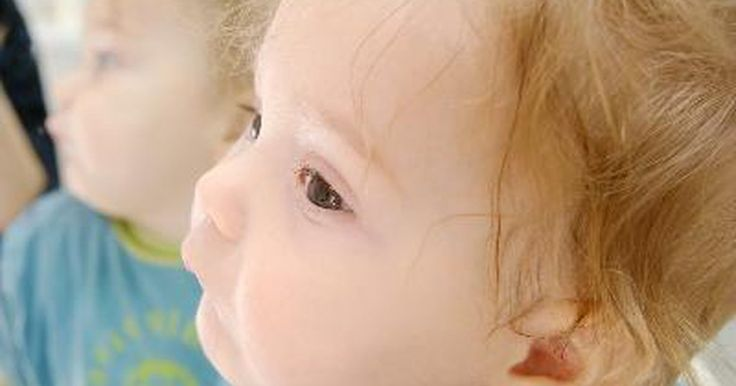 Tratamiento de la depresión respiratoria neonatal. Poco tiempo después de que algunos bebés nacen, muestran problemas para respirar. Esto se conoce como depresión respiratoria neonatal. Inmediatamente después de nacer, las enfermeras y doctores revisarán y evaluarán la respiración de un recién nacido para detectar problemas y tratarán rápidamente cualquier problema que surja.