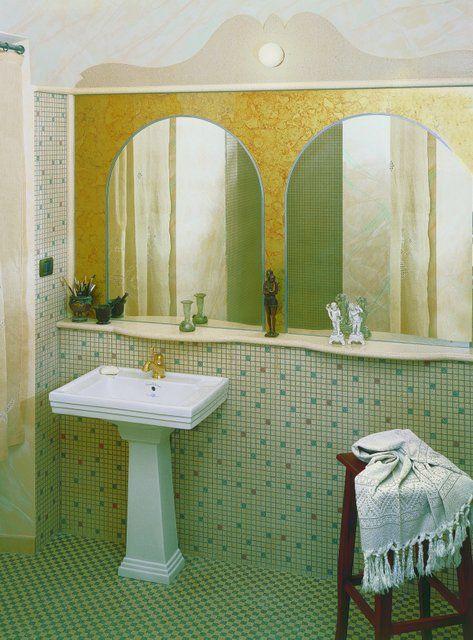 """Pavimento tappeto t31, rivestimento tessellatum tipo """"incerto"""". Mensola in graniglia centinata. Riquadratura specchio listello L3, cimasa in graniglia art. 105 albicocca #albicocca #bagno #multicolor #colors #decorigeometrici #tiling #terrazzotile #bathroom #detail #graniglia #pavimento #artigianato #handmade #decoration #creative #bespoke #madeinitaly #interiordesign #floors #floortile"""