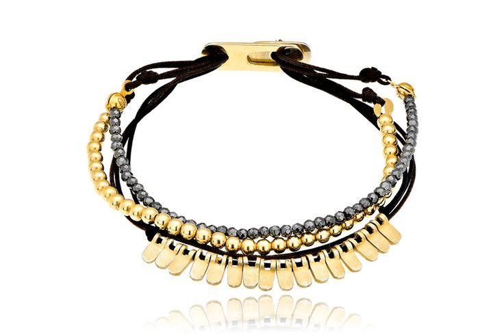 Βραχιόλι με ημιπολύτιμες πέτρες (αιματίτη) και μοτίφ από επιχρυσωμένο ασήμι 925. Bracelet with semi precious stones (hematite) and motifs made by yellow gold-plated silver 925. Price: 115 €