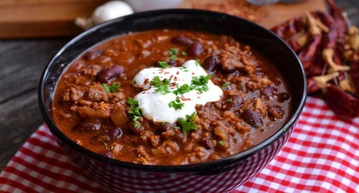 Klasszikus chili con carne recept: A klasszikus chili con carne recept! A világ egyik legjobb étele, amit ha a megfelelő fűszerezéssel készítesz el, mindenki imádni fog.