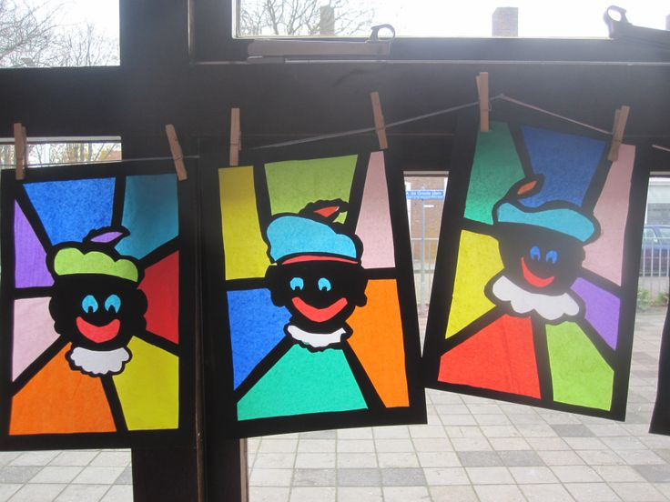Pietjes, gemaakt door leerlingen van groep 7/8 november 2013
