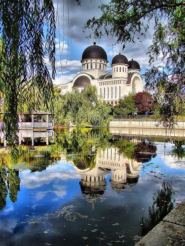 Arad - ROMANIA    ARAD - Catedrala Ortodoxa ( Ortodox Cathedral from Arad - Romania)