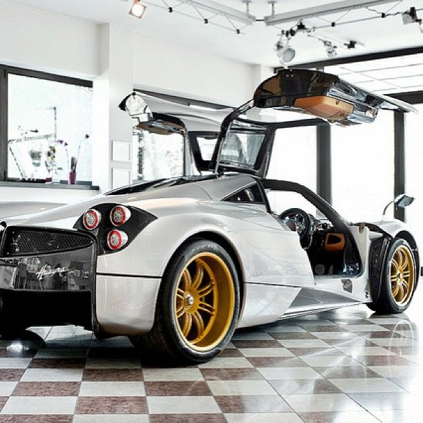 Pagani Huarya With Zonda R Slicks and Rims