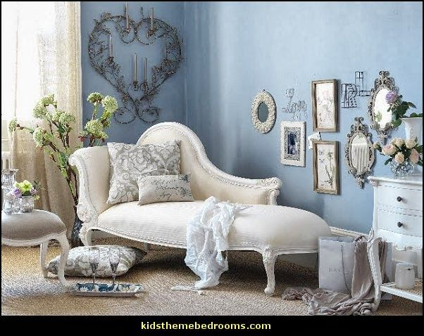 Recámaras http://themerooms.blogspot.mx/2013/10/victorian-decorating-ideas-vintage.html